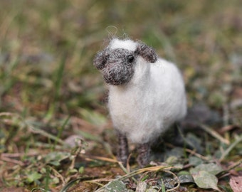 Needle felted Sheep; mini FFS collection #8