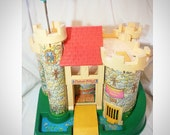 1974 Fisher Price Family play Castle Toy collectible Excellent condition Vintage Retro rare knight 70s