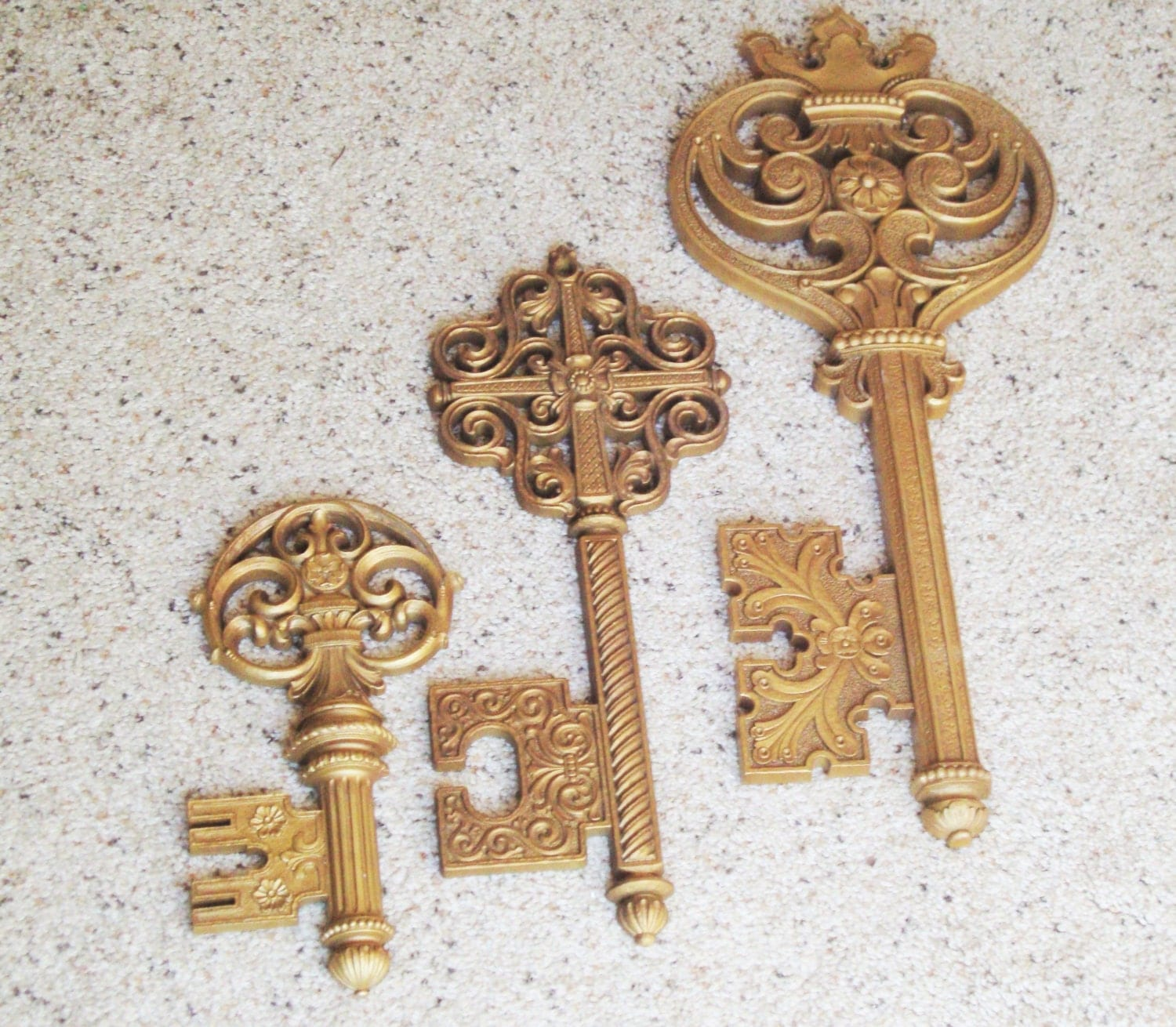 Wall Decor Keys : Key wall decor syroco large skeleton keys