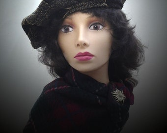 Woman Brown Gold beret tam.Thick. Lined.Fits 20 1/2 to 21 1/4 plus.