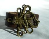 Cthluhu Cuff Bracelet Octopus Bracelet Brown Leather Cuff Bracelet Antiqued Gold Charm Bracelet Geek Horror Bohemian Jewelry