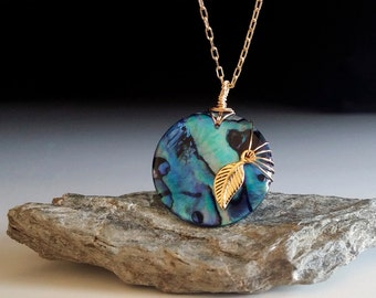 Green stone - leaf necklace - dainty -  Abalone - gold - small - round