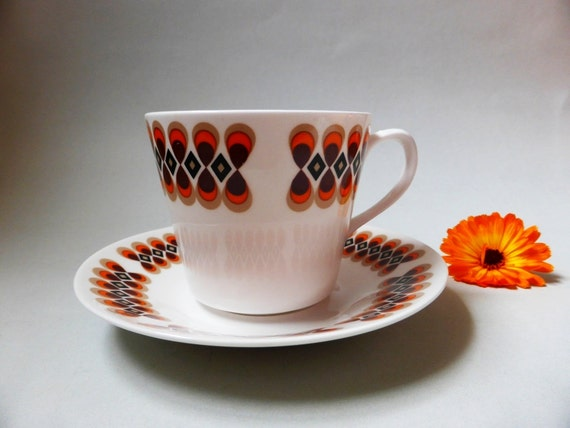 Funky Vintage Royal Vale Bone China Tea Cup And Saucer Set