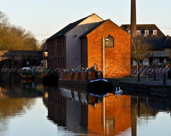 Download, The Wharf at Devizes, Kennet and Avon Canal, Wiltshire, colour photograph, instant digital download, wallpaper, screensaver