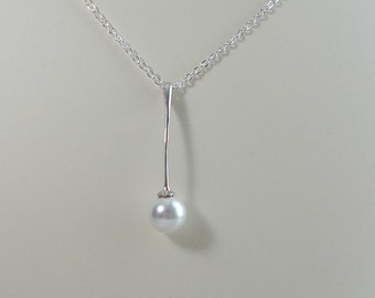 White Pearl and Sterling Silver Pendant Necklace 0318