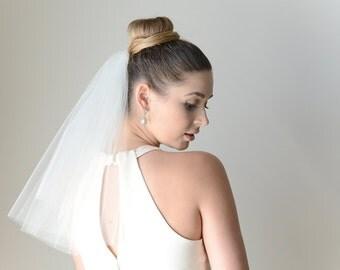 Wedding veil, one tier veil in shoulder length, raw edge veil, fly away veil,bridal illusion tulle veil, short veil