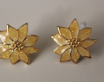 Vintage Earrings Yellow Flower with a sparkling glitter