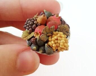1:12 dollhouse Miniatures fruits bowl / miniature food scale 1 12 / miniature Grape Pomegranate figs / dollhouse fruit scale one inch