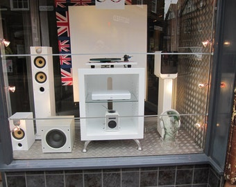 HiFi Cabinet- Genus 2   White Gloss