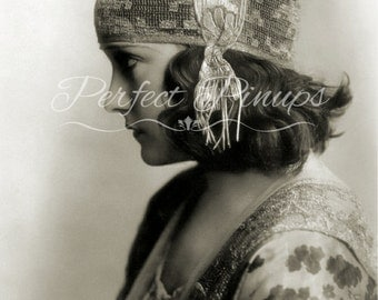 STUNNING GLORIA SWANSON 1920s Starlet Vintage Photo Pin Up Pinup Flapper Photograph Home Decor Wall Art Photography Vintage Hollywood 5x7