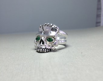 Sterling Silver Ladies Frankenstein Skull Ring With Oval Imitation Emerald Eyes