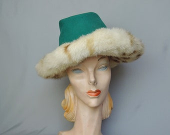 Vintage Wide Brim Hat with Fur Trim 1960s, Green Felt with Ivory & Brown Spotted, fits 21 inch head