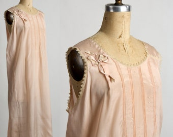 SALE 1920s Night Gown . Antique Flapper Boudoir 20s Lingerie in Peach