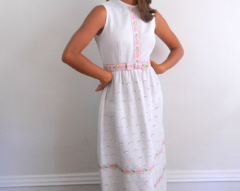 1970s Maxi Dress ... Vintage 70s White Maxi Dress with Floral Trim Eyelet Skirt ... Size Small