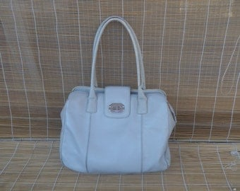 Vintage Lady's Off White Grey Faux Leather Zip Up Top Hand Bag Purse