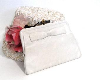 Koret Tresor Clutch Handbag Genuine Kid Leather Vanilla Color - 1950's Vintage Women's Accessories