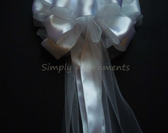 White wedding Pew Bow White Tulle Wedding Bow White Tulle and Satin Church Aisle Decoration White Ceremony Reception Bow Bridal Shower Decor