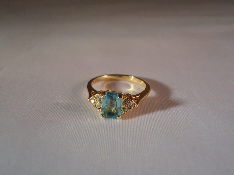 Vintage Avon Aquamarine Ring18 K Ge Ring Cubic Zirconia