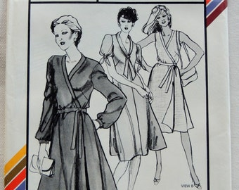 Stretch & Sew Pattern 1567 - 1980s Banded Wrap Dress