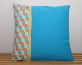 Housse de coussin, bleu lagon avec cubes    /     Pillow, cushion cover, blue lagoon with cubes