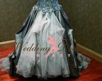 Sensational Gray Wedding Dress Alternative Offbeat Silver Gothic Bridal Gown with Corset Boning