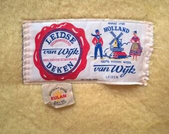 Dutch vintage woolen blanket van Wijk