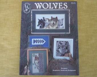 Wolves,cross stich patterns,booklet,wolf
