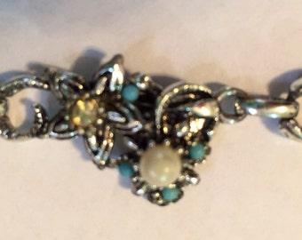SALE 20% off Beautiful Vintage Pearl, Bead, and Rhinestone Bracelet