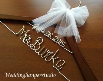SALE / DISCOUNT / SET of 5 - 2 line name hangers/ wedding hangers / wedding hanger packages