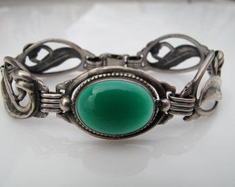 Vintage Arts and Crafts Art Nouveau Hammered Sterling Silver 925 and Chrysoprase Bracelet