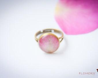Real Rose Petal Ring. Botanical Jewelry.  Flower Petal Ring. Resin flower ring