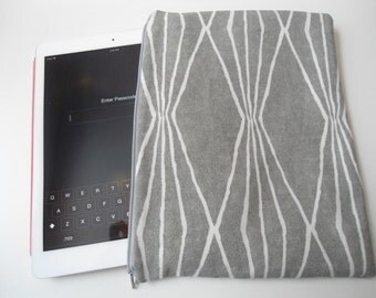 Grey and white large , lightly padded zippered ipad, tablet,  e-reader pouch, etc...