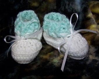 Newborn Green and White Booties