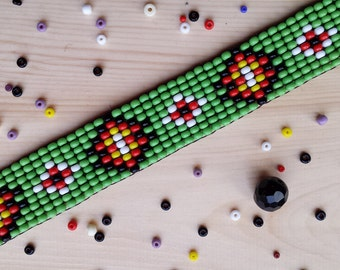 Green Native American Indian Style Beaded Choker Necklace