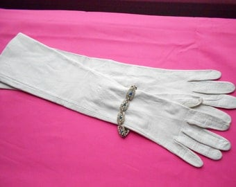 1960's White Leather Gloves