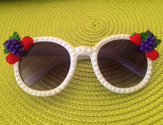 White Oversized Fruit Sunglasses With Pearls Strawberry And