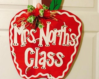 Door Hanger - Wood Cut Out - Apple. This adorable Apple can be changed to better meet your style!