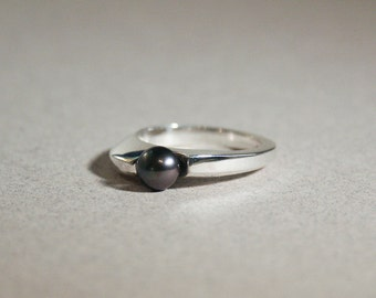 wave black pearl ring