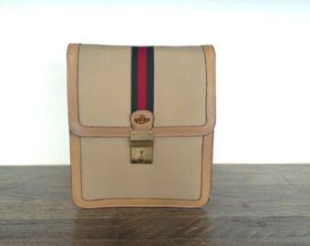 Gucci bandolier bag unisex