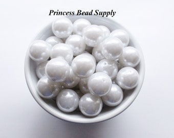 20mm White Pearl Chunky Beads Set of 10,  Bubble Gum Beads, Gumball Beads, Acrylic Beads
