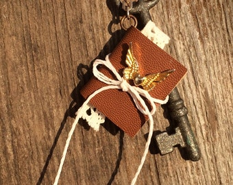 Skeleton key pendant with journal