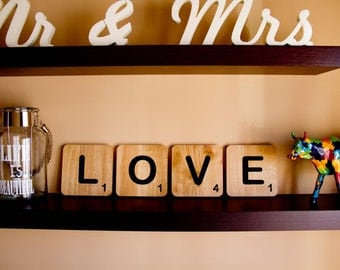 Scrabble XXL lyrics. To decorate your home or your wedding. Ideal for sessions of photos and to decorate your child
