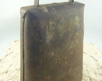 Antique Rustic Bell, Primitive Bell, Cowbell, Vintage Cowbell, Working Cowbell, Antique Cowbell,  Rustic Home Decor