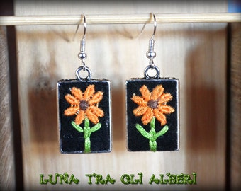 Rectangular earrings with embroidery on felt