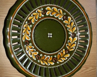 Green Plate, Wall Hanging Plate, Folk Wall Plate, Hand painted wall plate, Decorative Wall Plate, Green Decoration