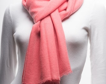 UItra-fine Handwoven Cashmere Scarf, Pink Color