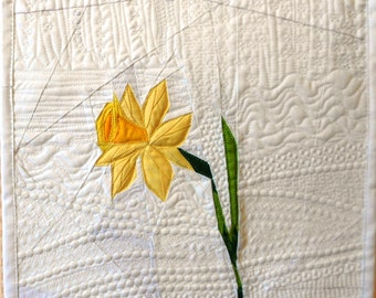 Quilt Art Cotton Textile Spring Narcissus Patchwork Machine Quilted Wall Hanging