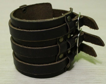 Armlet of three closures (Brown)