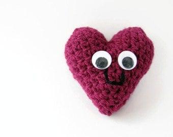 Crochet fuschia heart, heart plush, amigurumi heart, crochet heart, gift for lovers, mothers day gift