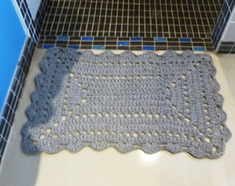 Mat grey recycled cotton, crocheted by hand